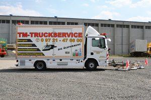 https://www.tm-truckservice.de/wp-content/uploads/2019/07/oelspurbeseitigung_oelspurhexe_schweinfurt-unterfranken-300x200.jpg